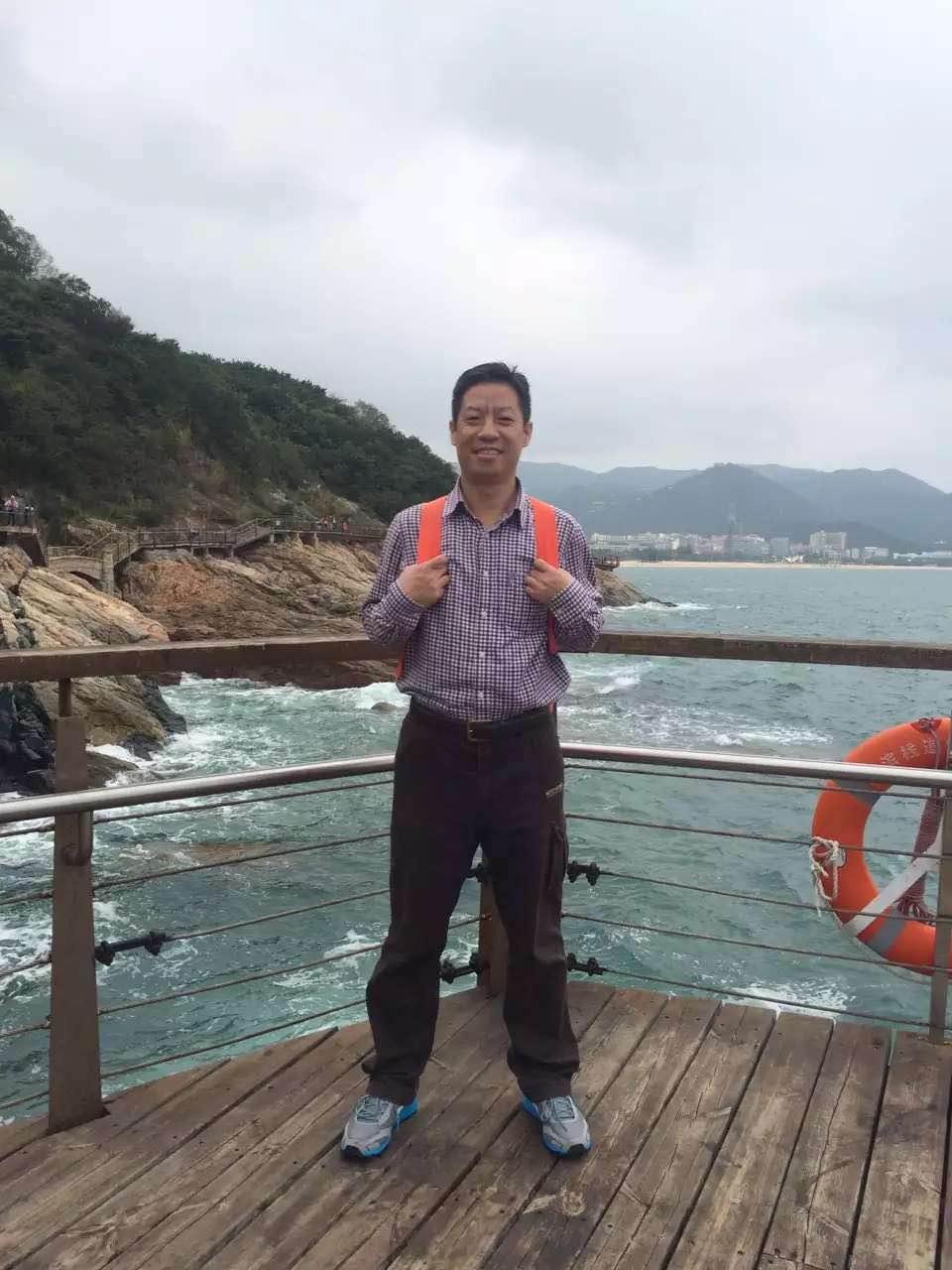深圳妈湾电力有限企业谢桂祥